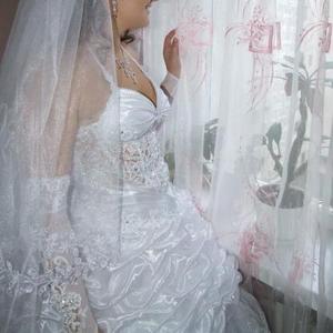 Продается весільна сукня біла