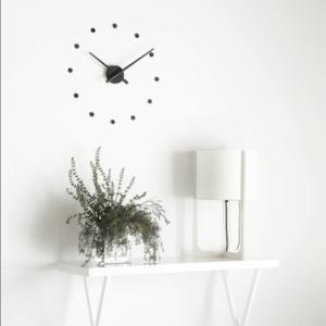 Современные настенные часы