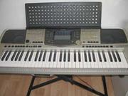 Продаю сентезатор Yamaha PSR 2000